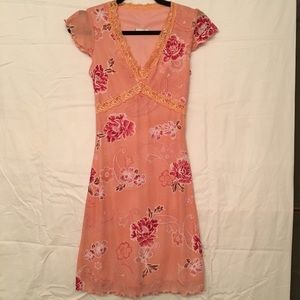 Dresses & Skirts - Beautiful Peach Color Floral Dress size small EUC